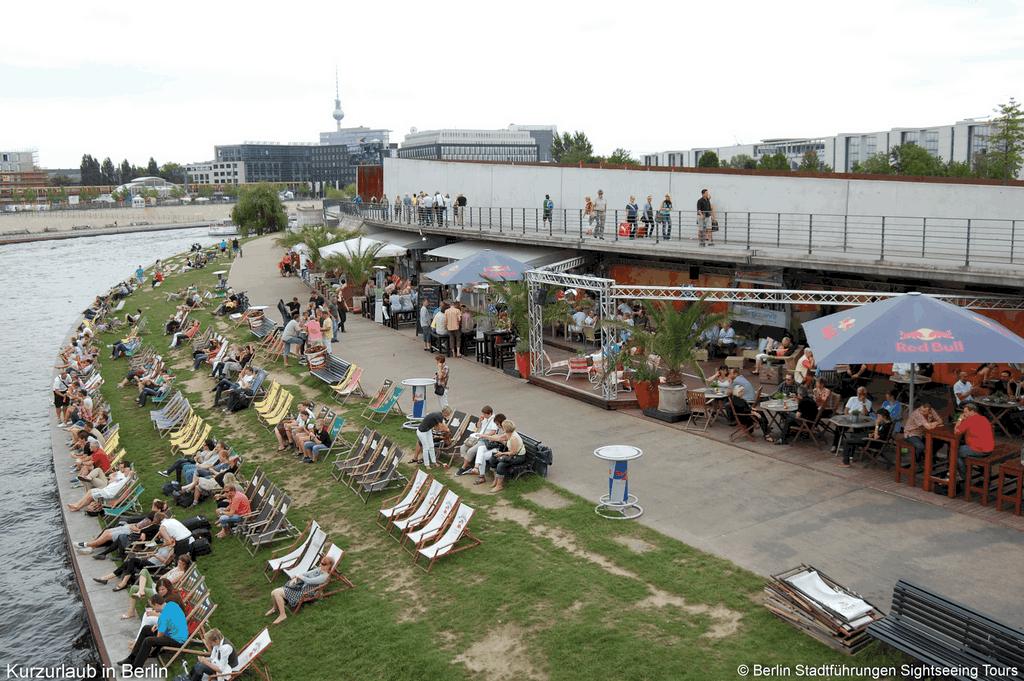 deutsche feiertage kurzurlaub in berlin tour berliner stadtrundfahrt. Black Bedroom Furniture Sets. Home Design Ideas
